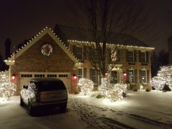 residential-xmas-lights-st-charles
