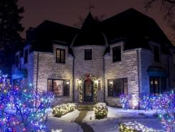 christmas-light-hanger-glen-ellyn