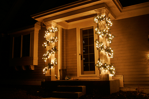 It's A Wonderful Light Garland